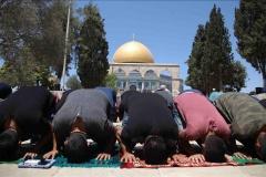180 mijë muslimanë falën xhumanë në xhaminë Al-Aksa të premten e parë të muajit Ramazan (VIDEO)
